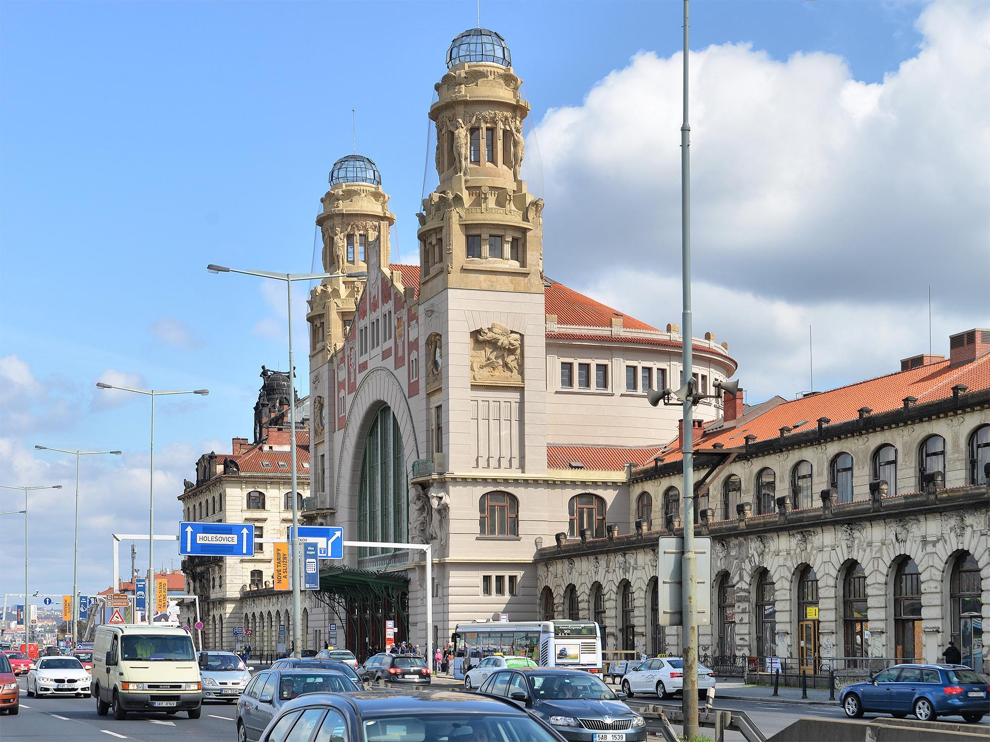 Старое здание Центрального железнодорожного вокзала Праги, Прага, Чехия